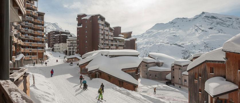 France_Avoriaz_Les-Crozats-apartments_Exterior-ski-in-ski-out.jpg